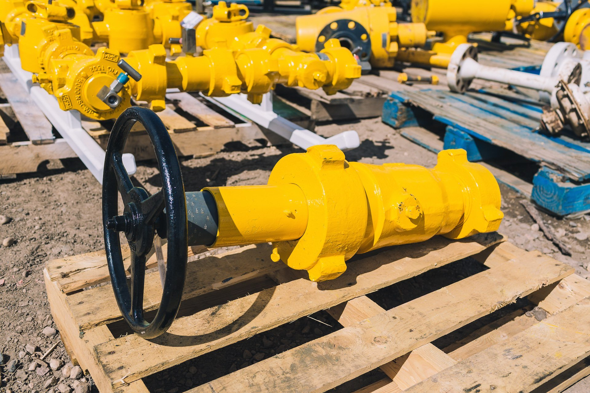 Oilfield rental equipment, oilfield valve rentals